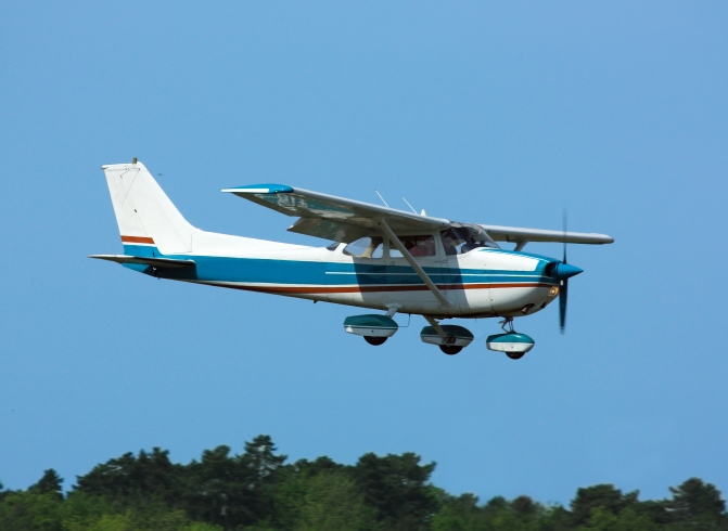 iStock-small private plane 2